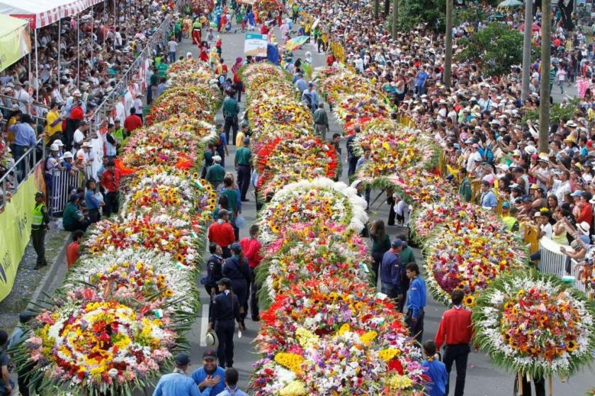 b0102cbf1 Zohobby: Colombia vive la Feria de las Flores 2014