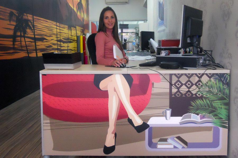 Zohobby consejos para decorar una oficina til y funcional for Decoracion de oficinas creativas