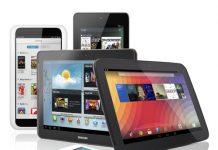 dispositivos tablets y moviles sobre una mesa blanca y fondo blanco