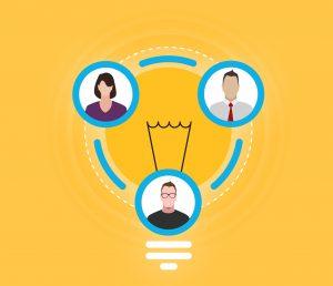 dibujo de una bombilla con tres personas dibujadas en un circulo rodeandola y conectados entre si