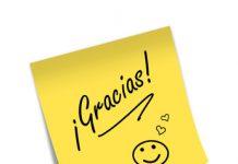 """posit con texto """"gracias"""" y un emogi sonriendo"""