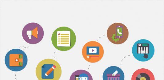ordenador portatil dibujado con todas las herramientas del marketing