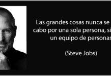 foto de Steve Jobs con texto de trabajo en equipo