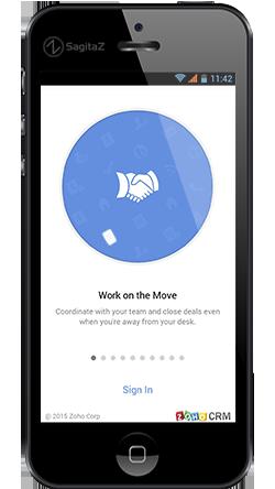 aplicacion movil de zoho crm en la pantalla de un movil