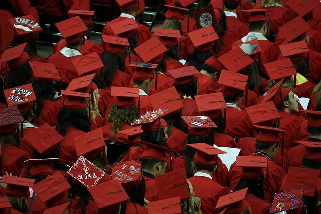 graduacion-jovenes-zoho-recruit-talento-sagitaz