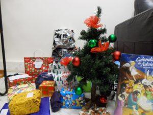 Arbol navidad con regalos
