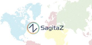texto sagitaz sobre mapa mundi punteado de colores con el logo