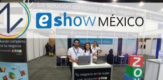 trabajadores de sagitaz en el stand de sagitaz y zoho en el eshow de mexico 2017